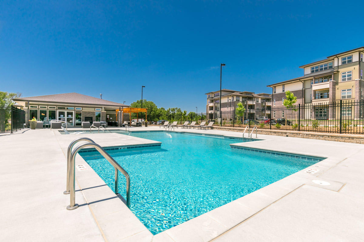 Brookside Apartments - Fallbrook